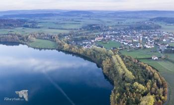 Borkener See. Südufer mit Überblick auf den Ort Nassenerfurth. © S. Rösner